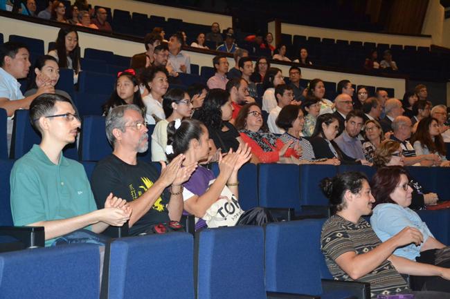 现场观众.jpg